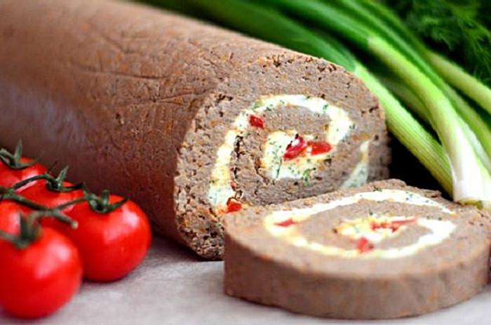 pechenochnyj-rulet-s-nachinkoj