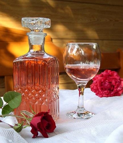 вино из лепестков чайной розы