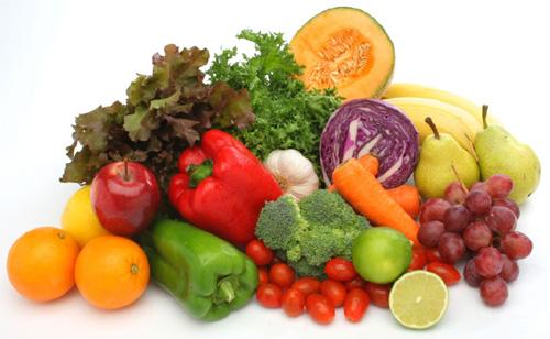 зелень и свежие овощи