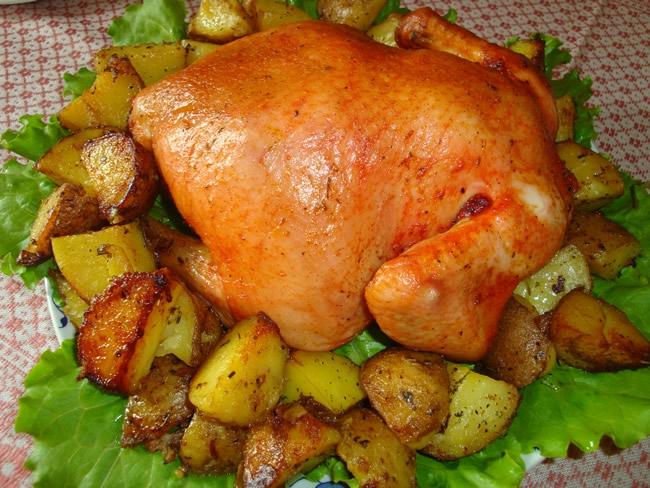 Цельная курица с картошкой в духовке рецепты